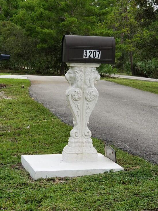 Lion Mailbox